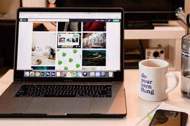 slideshow-gallery-image-website-design-work-desk-office
