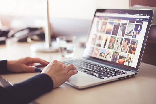 computer-desk-internet-laptop-macbook-photos-pictures-website-image