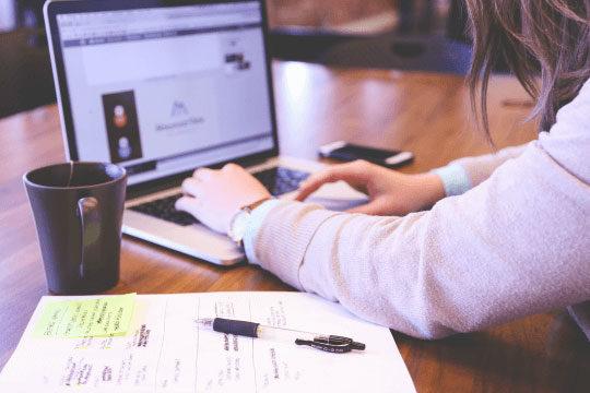 Project-Management-Work-Desk