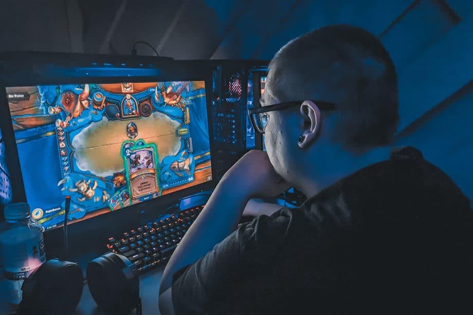 video-computer-gaming-pc-gamer-desktop-play