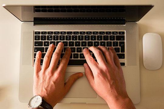 office-laptop-working-desk