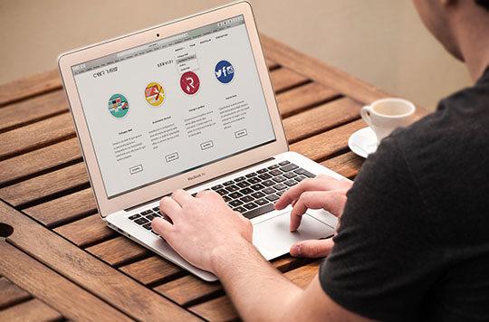 Website-Design-Macbook-Laptop-Desk-Icons