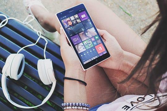 apps - device - gadget - earphones - headphones - media - nokia windows smartphone