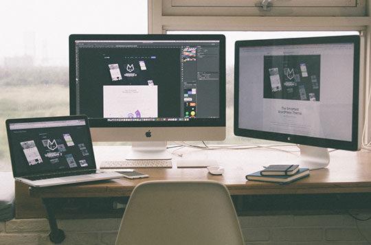 computers-desk-office-technology-web-design-development-workspace
