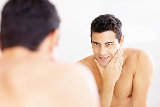 men-shaving-confidence-mirror