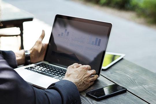 business-communication-internet-laptop-meeting-online-plan-work