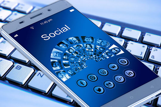 mobile-social-media-application