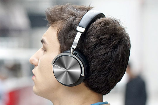 Bluedio T4 Portable Bluetooth Headphone