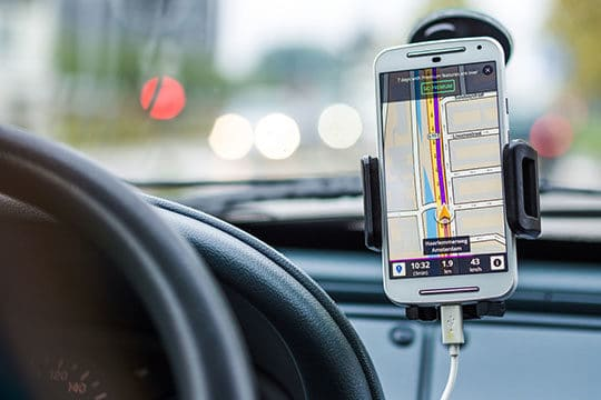 app-car-charge-map-mobile-phone-smartphone-technology