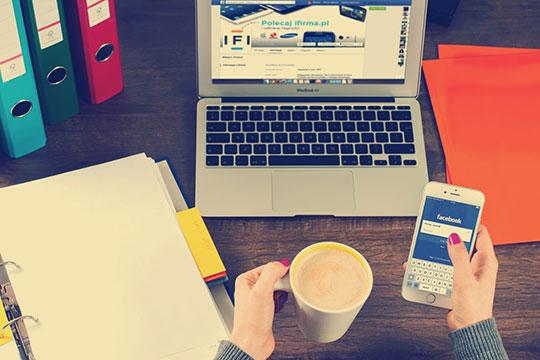 apps-business-commerce-desk-facebook-office-social-media-marketing-technology
