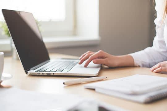 computer-desk-job-laptop-note-technology-work