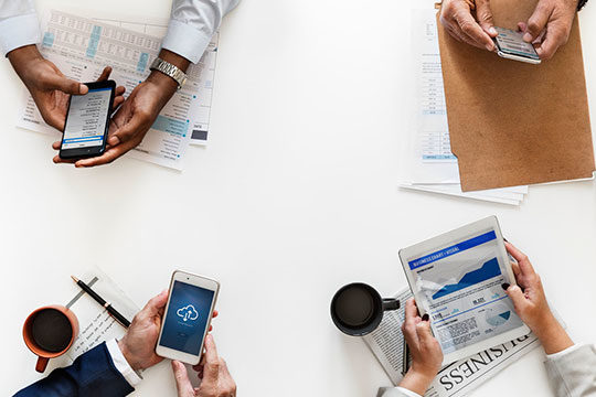 smartphone-gadget-marketing-meeting-office-technology-work