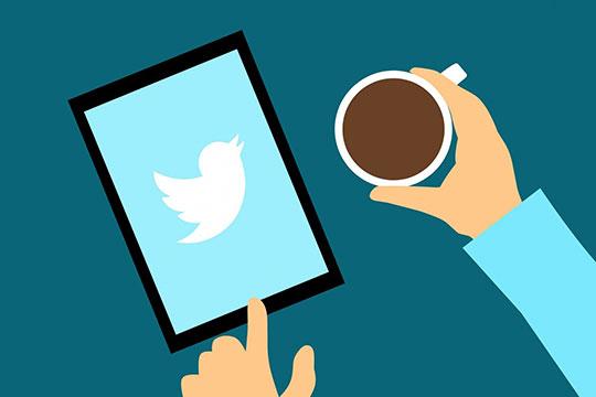 twitter-tweet-follow-social-media-visual-content-marketing