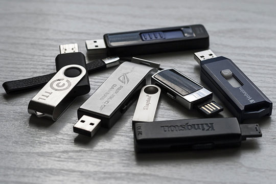 USB Flash Drives - Pen Drives - Memory Stick