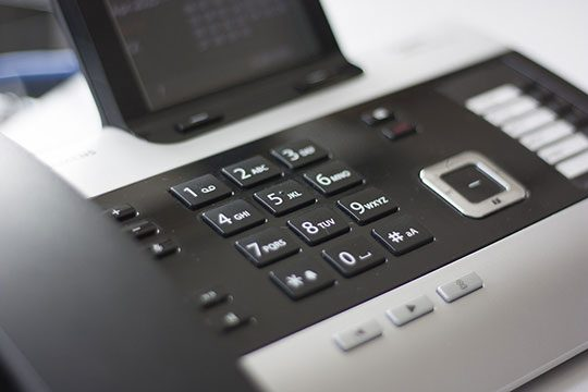 telephone-call-business-office-voip-helpdesk-support