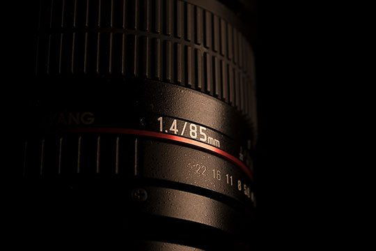 photo-lens-digital-slr-camera-85mm