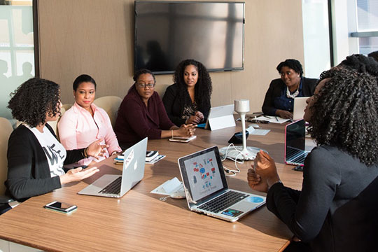 company-conference-discussion-employee-meeting-office-work-team