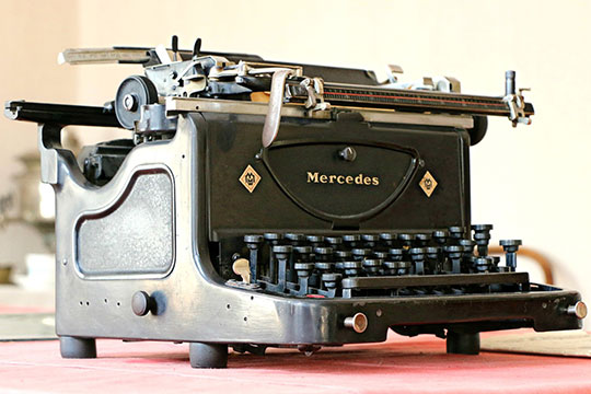 mercedes-type-writer-antiques-print-letter-keyboard