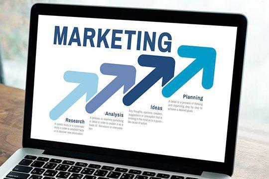 analysis-laptop-digital-marketing
