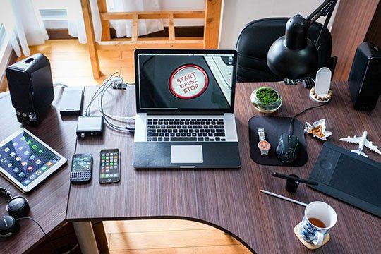 apple-desk-electronics-laptop-office-technology-work
