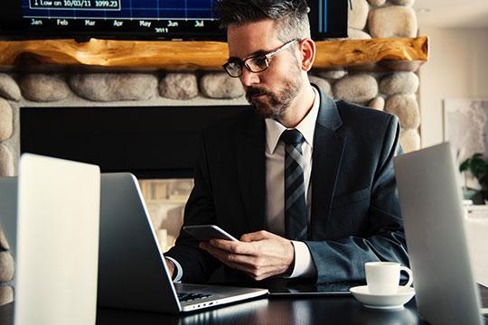 Business-CEO-Company-Desk-Entrepreneur-Meeting-Work