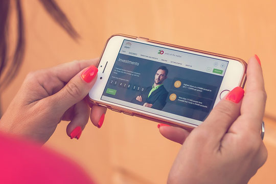 smartphone-mobile-commerce-internet-social-visual-communication