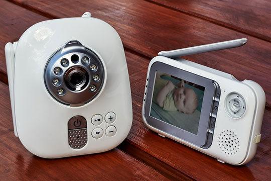 baby-child-monitor-camera