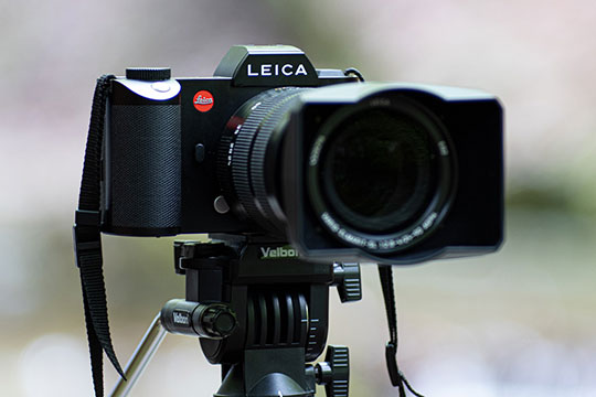 leica-camera-lens-photography-recording-tripod