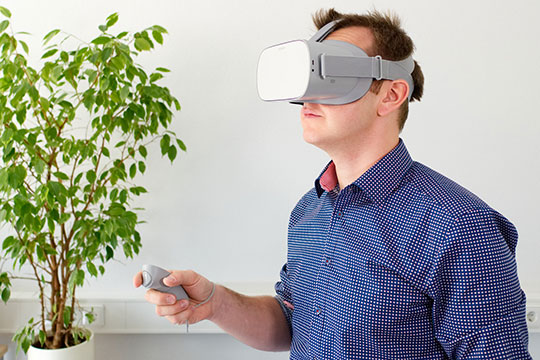 vr-virtual-reality-glasses-technology-augmented