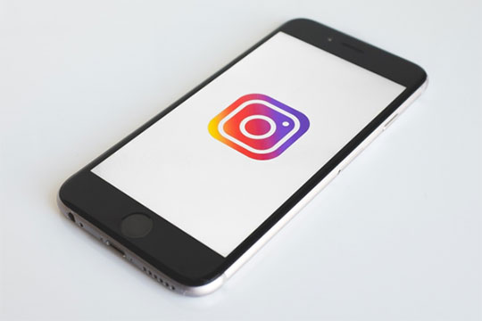 Instagram-mobile-app-social-media