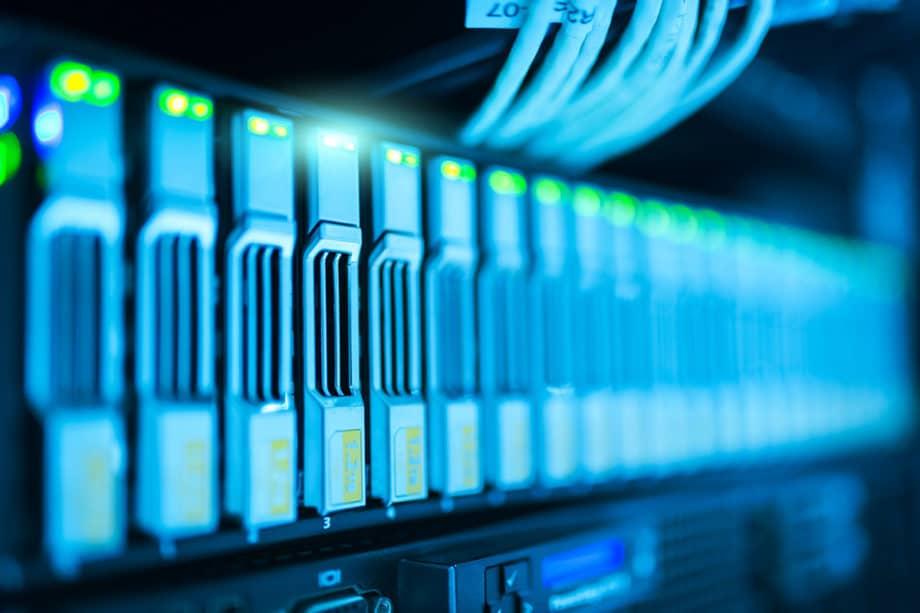 computer-connection-database-internet-lan-network-server-technology