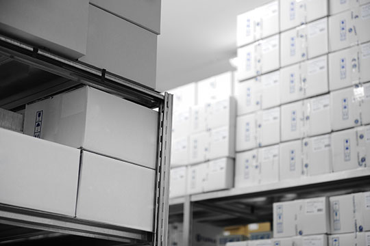 ecommerce-stock-management-warehouse-parcel-products