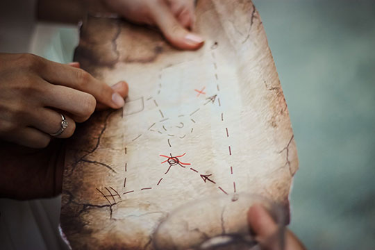 treasure-hunt-map-navigation-explore-direction