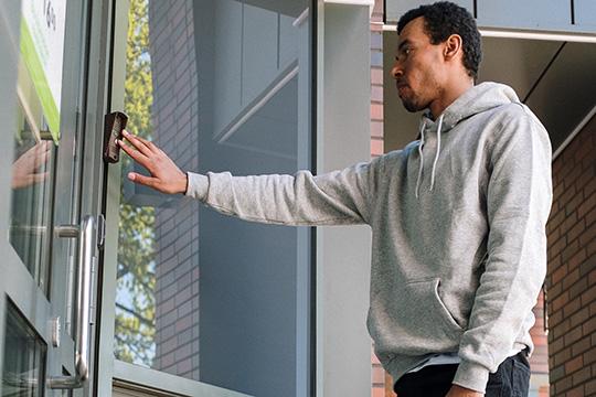 doorbell-lock-camera-speaker-home-safety-security