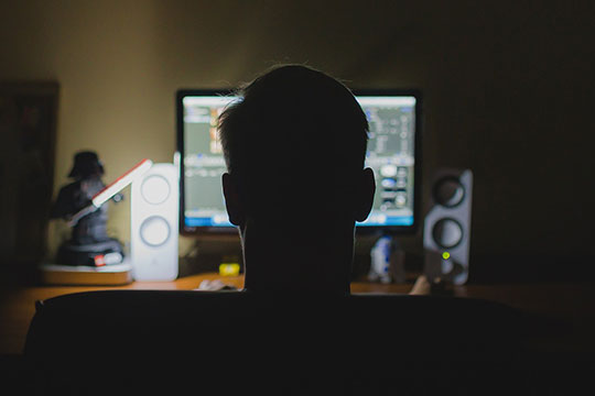 work-desk-computer-hacker-office-technology