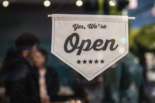 small-business-physical-store-shop-open-commerce
