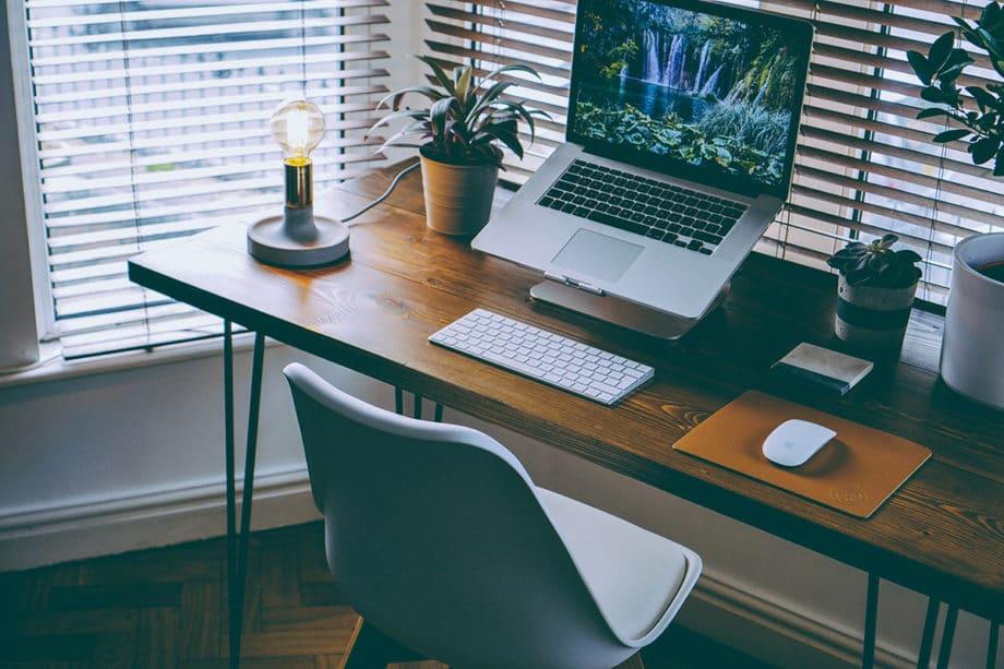 workspace-desk-office-technology-business-laptop-computer