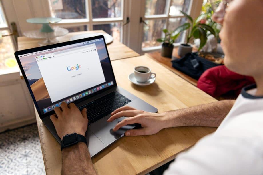Browser-Google-Chrome-Internet-Laptop-Macbook-Research-Type