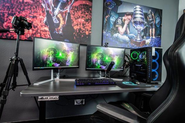 game-desktop-computer-play-gaming